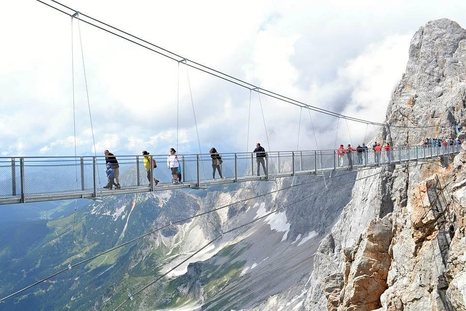 Prosklená lávka na Dachsteinu