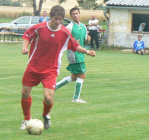 Vítěz turnaje Luštěnice sice s domácím celkem Strak prohrával, přesto se na konci zápasu radoval z výhry a později i z celkového prvenství.