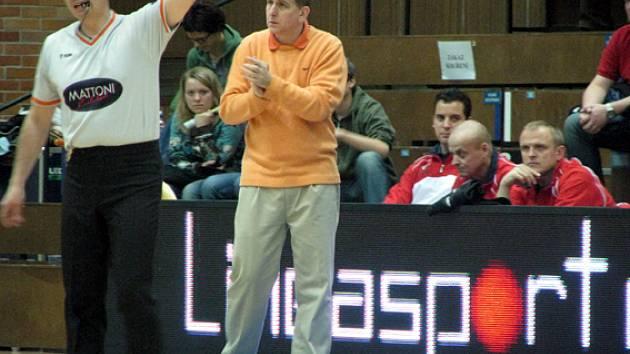 Z utkání ČEZ Basketball Nymburk - USK Praha 107:47.
