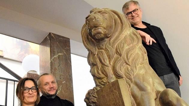Ocenění Jan Vlasák (vpravo) a manželé Vandasovi.