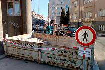 Na snímku chodník na rohu ulic Studentská a Palachova. I tento chodníku bude letos opraven.