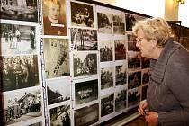 Historie spolků v Městci Králové je bohatá a lidé se na fotkách poznávali. Výstavu doprovodila ukázka bonsají.