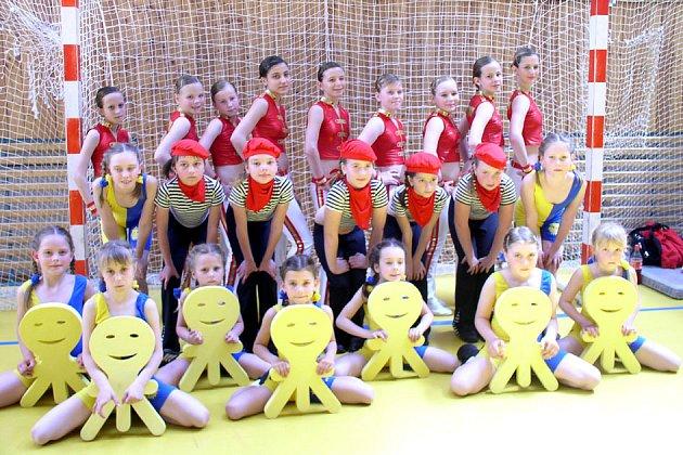 Děvčata z oddílu aerobiku brala v Kutné Hoře druhé, třetí a čtvrté místo.