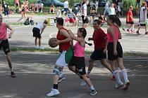 Z turnaje ve streetballu, který se konal na nymburské Remanenci
