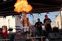 Kapela The Primitives Group se v Nymburce představila i loni na oslavách výročí Sametové revoluce.