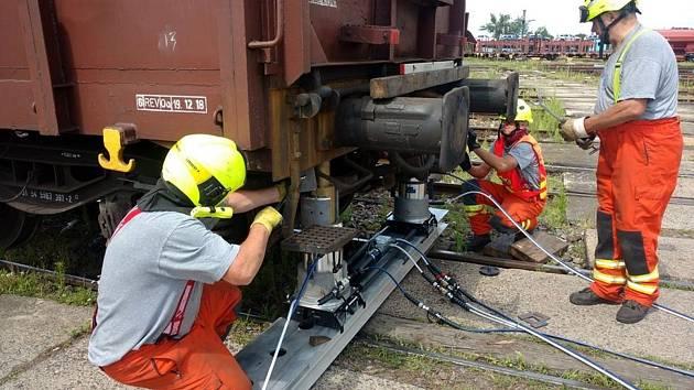 Nový systém mají ve výbavě nymburští drážní hasiči.
