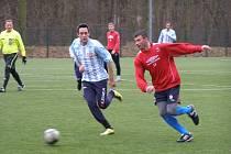 Z utkání kolínského fotbalového turnaje Poděbrady - Velim (0:5)