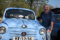Rudolf Marek se svým miláčkem Fiatem 600
