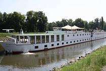Plavba největší osobní lodí v České republice Florentinou z Nymburka do Poděbrad.