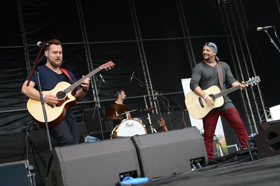 Z desátého ročníku hudebního festivalu Votvírák v Milovicích.