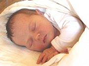 KRISTÝNKA Malá se narodila v úterý 28. listopadu 2017 v 11.37 hodin s mírami 53 cm a 3 960 g. Z prvorozené se radují rodiče Jaroslav a Dana z Nehvizd u Prahy.