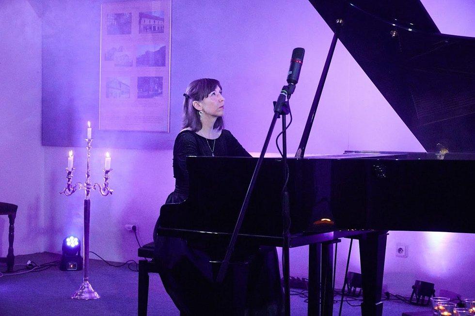 Z koncertu klavíristy Pavla Vondráčka a hostů live stream z Polabského muzea Poděbrady.