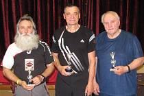 Nejlepší veteráni. Zleva druhý Alois Salák, první Josef Řehák a třetí Karel Svoboda