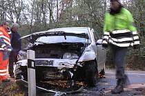 Nepříjemná dopravní nehoda se stala v Babíně po páté hodině odpoledne v neděli asi dvacet metrů od pomníčku.