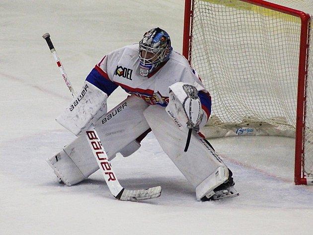JAROSLAV BRÁZDIL, brankář nymburského hokejového týmu, vychytal vzápase spelhřimovskými Ledními Medvědy čisté konto