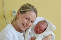 VOJTÍK Z KOUNIC. VOJTĚCH ŠEVČÍK se narodil 17. května 2017 v 11.48. Klouček s mírami 3 940 g a 51 cm má rodiče Ivetu a Vaška a sestru Aničku (2).