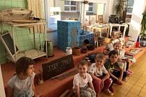 Mimořádný svátek si několika akcemi připomněli i v Mateřské škole Na Valech v Poděbradech.
