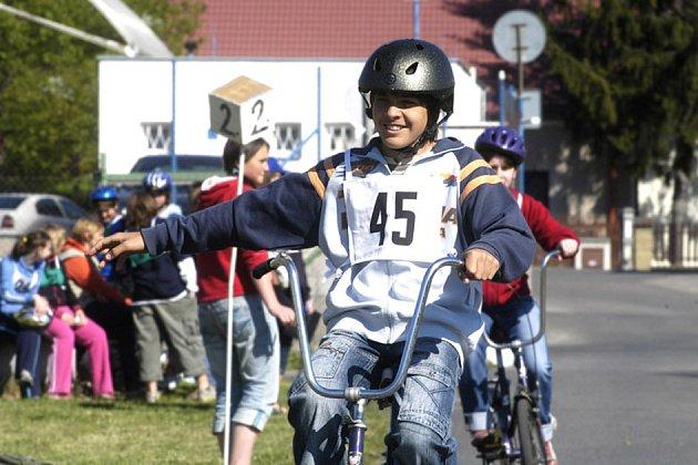 Děti soutěžily na kolech