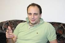 Ředitel Hálkova městského divadla Jaroslav Kříž.
