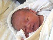 ALANIS Klaubenschalková se narodila ve čtvrtek 7. prosince 2017 ve 12.10 hodin s mírami 48 cm a 3 500 g. S rodiči Jindřichem a Alenou a bráškou Henrym (12) bydlí v Kostomlatech nad Labem.