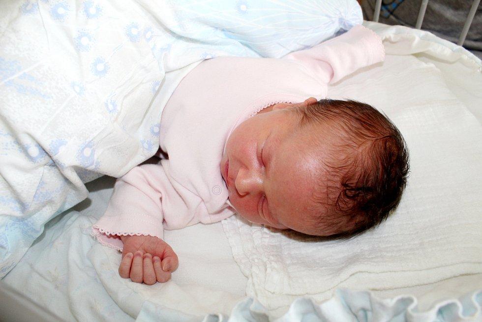Sofia Vlasáková, Poděbrady. Narodila se 4. července 2019 v 9.44 hodin, vážila 3 670g a měřila 51 cm. S rodiči Kristýnou a Dušanem se na sestřičku těšil i tříletý bráška Michael.