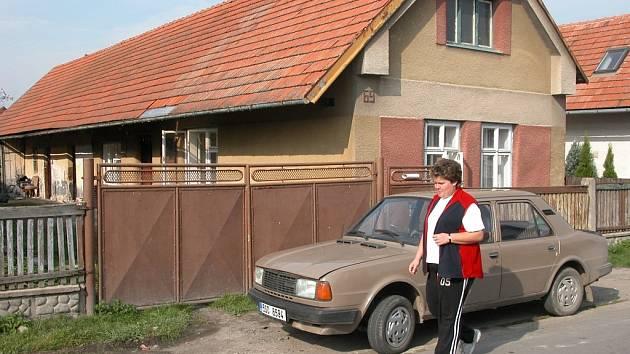 Dům v Běrunicích, kde se odehrávalo týrání