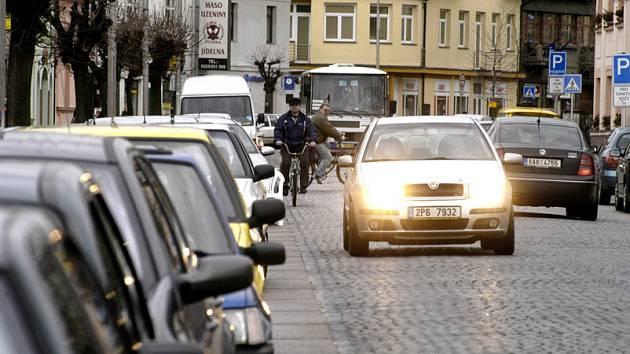 Masarykova ulice, hlavní třída v Lysé, zůstane v kostkách.