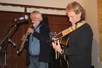 Jesse Ballard Band na sále restaurace Rustica na Cejpovně