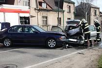 Nehoda ve Zbožské ulici, pri níž hořelo auto
