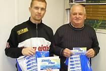 TI NEJLEPŠÍ. Vítězem podzimní Tipligy se stal Václav Sosnovský (vlevo), na třetím místě byl František Valtr