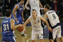 Z basketbalového utkání Mattoni NBL Poděbrady - Ostrava 85:73.