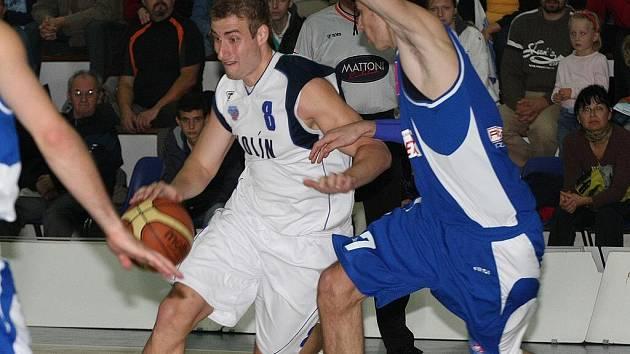 Z basketbalového utkání Mattono NBL Kolín - USK Praha
