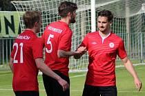 POSTUP. Fotbalisté Ostré dotáhli své letošní snažení do úspěšného konce.