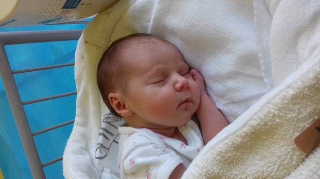 KAČENKA Z KŘEČKOVA. KATEŘINA KRÁLOVÁ se prvně rozhlédla po světě 15. června 2017 v 8.33 hodin. Dcerka Jany a Davida vážila 2 320 g a měřila 48 cm. Ochránce jí bude dělat bráška Matyáš (2,5).