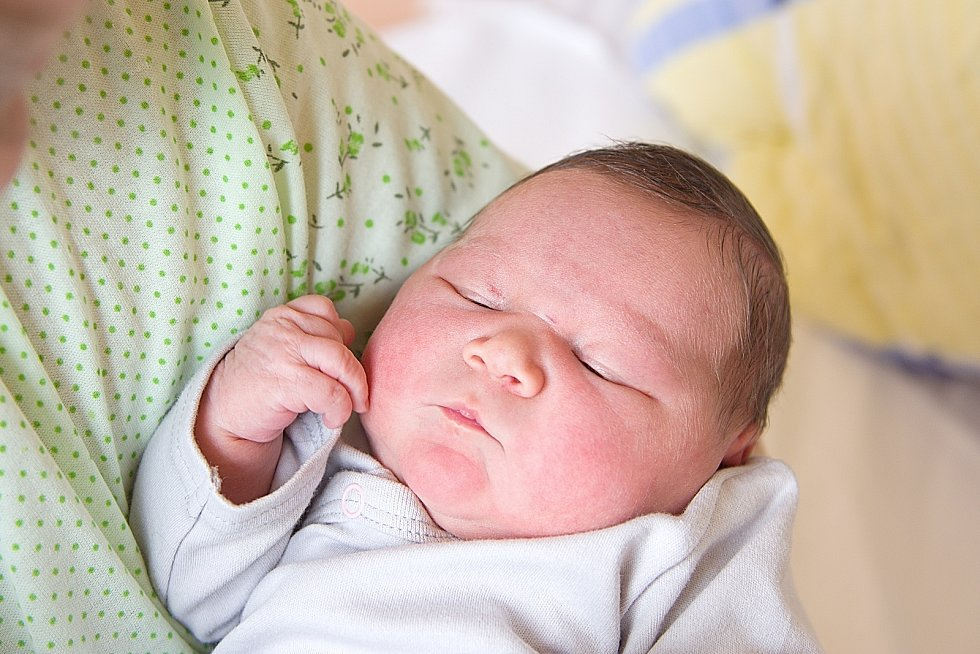 Veronika Horčárová se narodila v nymburské porodnici 28. března 2021 v 7.39 hodin s váhou 3710 g a mírou 47 cm. Holčička bude vyrůstat v Poděbradech s maminkou Annou Klaudií, tatínkem Janem, sestřičkou Kristýnou (7 let) a bráškou Jakubem (3,5 roky).