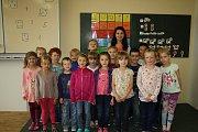 Žáci 1. A ZŠ T. G. Masaryka třídní učitelka Olga Švorcová.