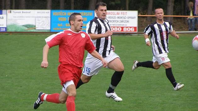 Z fotbalového derby I.B třídy Ostrá - Milovice (2:0)