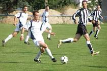 Z okresního derby fotbalové I.B třídy Sadská - Polaban Nymburk B