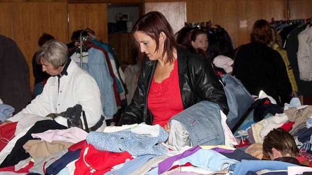 Burza oblečení v Obecním domě