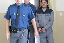 Jindřich Holeš přichází ještě k nymburskému soudu