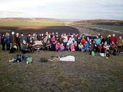 Na Holý vrch se vypravila více než stovka lidí.
