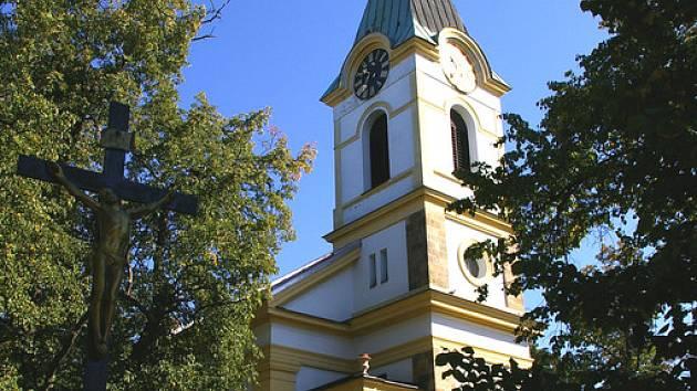 Kostel v Opolanech letos slaví 115 let od svého vysvěcení.