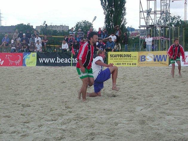 Z Mistrovství ČR v plážovém fotbalu v Plzni.