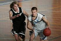 Z utkání druhé ligy basketbalistů Poděbrady - Pelhřimov.