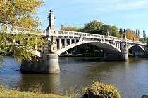 Po opravě nadjezdu přijde na řadu kamenný most.