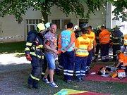 V Hálkově divadle fiktivně hořelo. Velké cvičení mělo vyzkoušet sehranost záchranných složek v případě hromadného neštěstí.