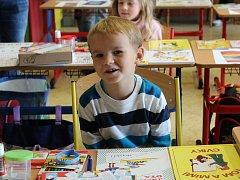 Do první třídy v kovanické dvoutřídce nastoupilo první školní den pět prvňáčků.