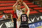 Z basketbalového utkání ŽBL Nymburk - Hradec Králové (71:65)