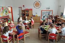 Přestože všechny stavební práce ještě nejsou u konce, děti z mateřské školky U pejska a kočičky už jsou zpět ve svých domovských třídách.