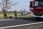 Za smrtí dvou motorkářů z března loňského roku stálo podle znalců pravděpodobně otáčení jednoho z nich na silnici.